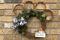 """Spoiled Cats Live Here 18"""" Paw Grapevine Wreath"""