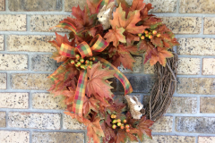 Squirrels-Sparkly-Leaves-1822-Grapevine-Wreath