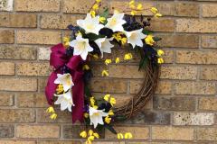 """17"""" White Lily Grapevine Wreath"""